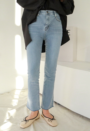 31262 - Light blue inner banding Boot cut